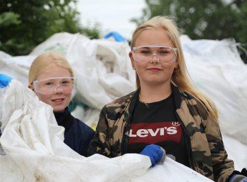 Säckinsamlingen Rejäl handling sysselsätter ungdomar och är en betydande miljögärning featured image